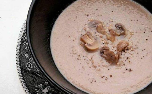 sopa-de-cogumelos-rapida